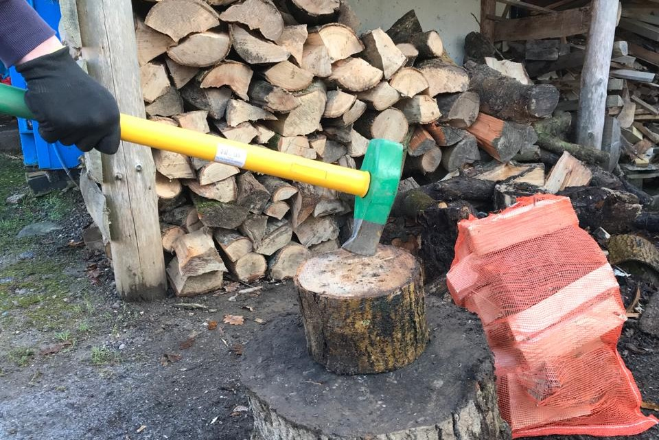 Wood Chopping December 2020 - Prisoner Training & Placements